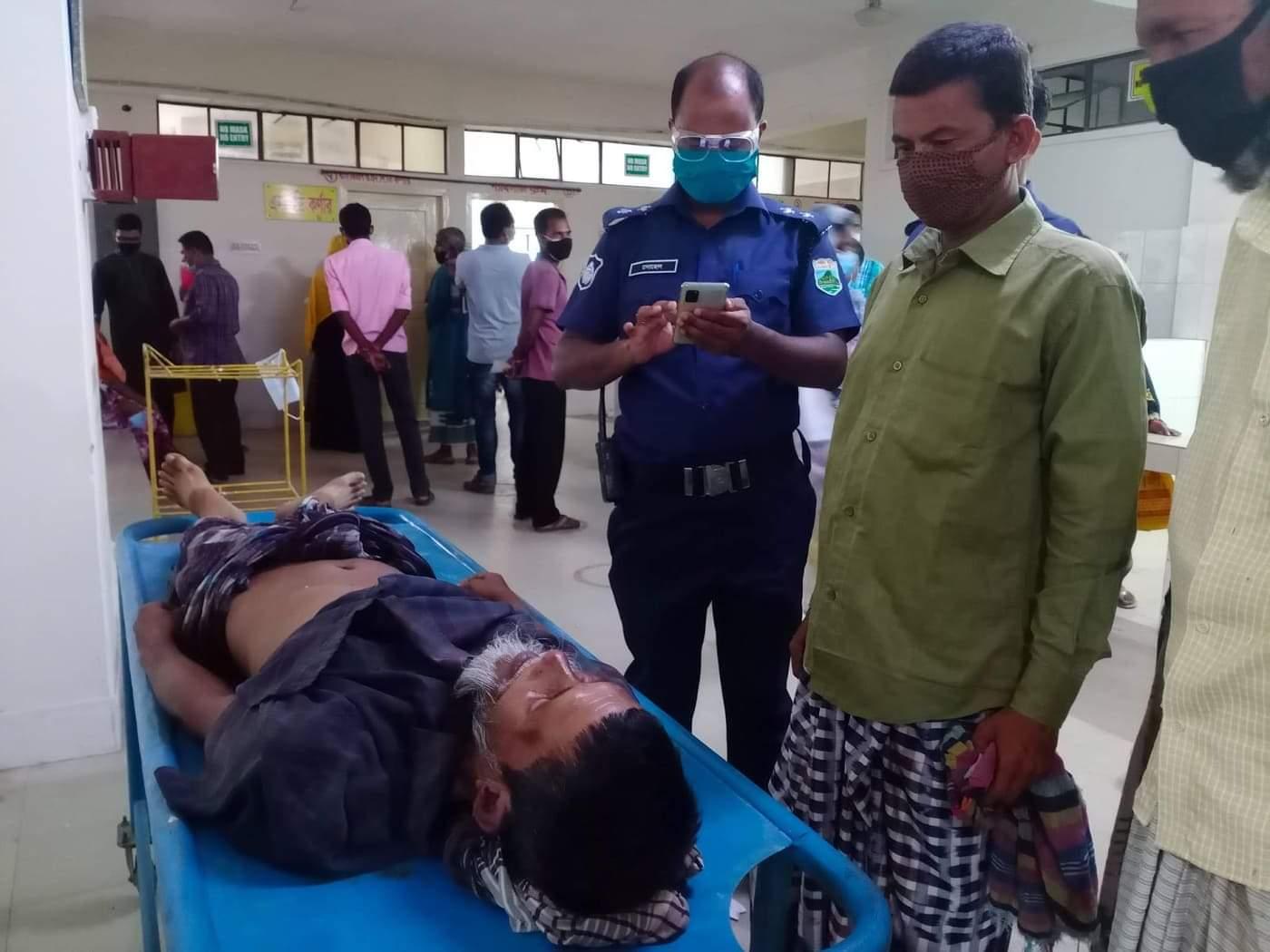 চাঁপাইনবাবগঞ্জের গোমস্তাপুরে সড়ক দুর্ঘটনায় এক ব্যক্তি নিহত