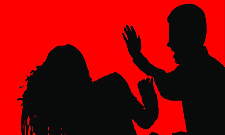 নরসিংদীতে ইভটিজিংয়ের দায়ে এক বখাটেকে গণধোলাই