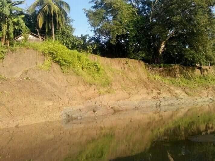 আলীকদমে নদী ভাঙ্গনের কবলে পড়েছে শতবছরের পু্রনো মারমা পল্লী