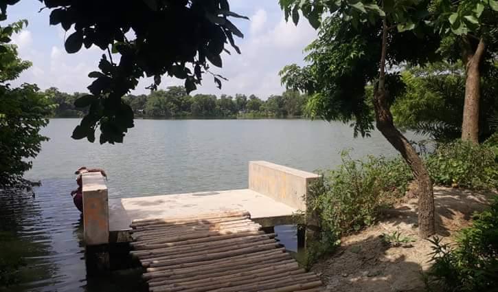 চাঁপাইনবাবগঞ্জের নাচোলে সাম্প্রদায়িক সম্প্রীতি ধরে রেখেছে সুতিহার দিঘি