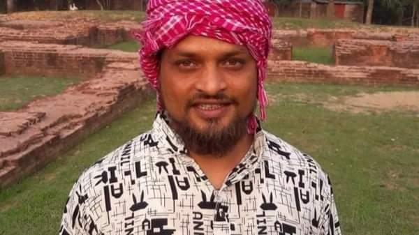 চাঁপাইনবাবগঞ্জের ভোলাহাটে অগ্নিদগ্ধ হয়ে এক যুবকের রহস্যজনক মৃত্যু