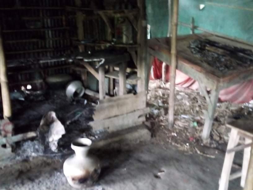 রাজশাহীর বাগমারায় দোকান ঘরে আগুন দিয়েছে দুর্বৃত্তরা