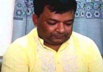 নরসিংদী সাব-রেজিস্ট্রিটার অফিসে ভুতক্তভোগীদের জিম্মি করে ঘুষ বাণিজ্য